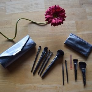 NEW Makeup Brush Set with Clutch and Travel Size